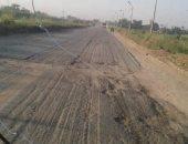 أهالي قرية الحمول بكفر الشيخ يطالبون بإصلاح الطريق الزراعى
