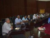 سكرتير البحر الأحمر يتابع الموقف التنفيذى لمشروعات تطوير العشوائيات