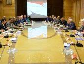 وزيرا الرياضة والإنتاج الحربى يناقشان حجز تذاكر دخول المباريات إلكترونيًا