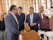 رئيس جامعة المنصورة يتفقد الإنشاءات الجديدة بكلية طب الأسنان
