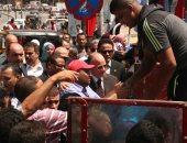 محافظ القاهرة يفتتح قوافل متحركة لتوفير مستلزمات المدارس بأسعار مخفضة