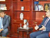 خالد العنانى ووزير تنمية كازاخستان يبحثان استئناف العمل بمسجد الظاهر بيبرس