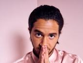 """بالـ """"Pink"""".. أحمد مالك فى جلسة تصوير مهرجان تورنتو السنيمائى الدولى.. صور"""