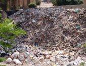 قارئ يرصد انتشار المخلفات والقمامة بشارع أحمد عرابى بشبرا الخيمة