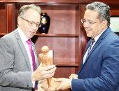 سفیر أستراليا لوزير الآثار: شعبنا شغوف بالحضارة المصرية