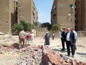 نائب محافظ القاهرة يتفقد أعمال إزالة بناء مخالف على حافة جبل منشأة ناصر