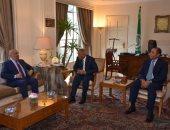 أبو الغيط يبحث مع وزير خارجية اليمن آخر تطورات الأزمة اليمنية