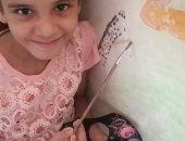 طفلة من مصر القديمة تشارك اليوم السابع لوحاتها الفنية