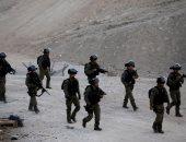إصابة عشرات الطلاب الفلسطينيين جراء استهداف الاحتلال لمدرستهم بالخليل