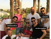 شاهد.. نجوم من مختلف أجيال الأهلى فى صورة واحدة مع عبد الله السعيد