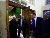 مفتى الجمهورية يشارك فى عزاء شقيقة حسن راتب بمسجد الحامدية الشاذلية