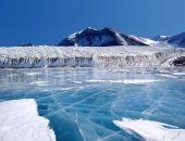 قبل ما التلج يدوب.. علماء يبحثون بين الجليد عن مقومات الحياة