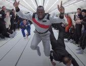 """أسرع رجل فى الفضاء.. العداء """"يوسين بولت"""" يسابق رواد الفضاء ويتفوق عليهم"""