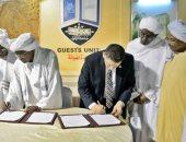 جامعة عين شمس توقع اتفاقية توأمة مع جامعة الخرطوم لتعزيز التعاون المشترك