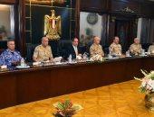 الرئيس يشيد بجهود الجيش والشرطة فى التصدى للعمليات الإرهابية والإجرامية