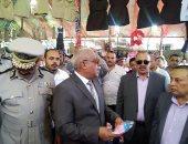 صور.. مدير أمن كفر الشيخ يتفقد معرض الأدوات المدرسية