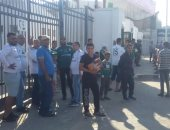 توافد جماهير المصرى على استاد بورسعيد لدعم فريقها أمام اتحاد العاصمة.. صور