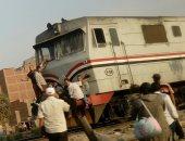 قارئ يرصد ركوب المسافرين على صدادات مقدمة قطار المناشى