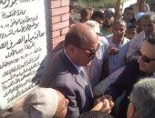 محافظ الإسكندرية يضع حجر أساس مشروع الصرف الصحى بقرية أبيس الأولى