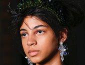 """بعيدًا عن الأزياء.. عرض """"Simone Rocha"""" يظهر اتجاها جديدا لـ""""مكياج"""" العيون"""