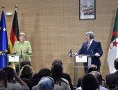 ميركل: ألمانيا والجزائر ستعملان عن كثب فى مسألة ترحيل طالبى اللجوء - صور