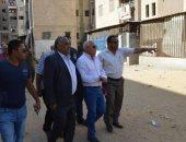 محافظ بورسعيد يتفقد حى الضواحى ويوجه بتكثيف حملات إزالة الإشغالات