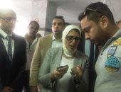 فيديو.. أب يفقد مولودته بسبب إهمال طبيب فى بورسعيد