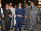 محافظ القاهرة يشارك فى حملة لإزالة أبنية مخالفة بحى مصر القديمة