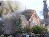 شاهد ..حريق هائل يلتهم كنيسة أثرية فى هولندا