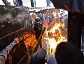 صور.. عشرات الجرحى خلال إخلاء مخيم غير شرعى فى المكسيك