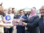سكرتير عام الشرقية يوزع جوائز ودروع التميز للفائزين بمهرجان الخيول العربية