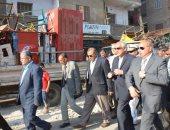 محافظ الجيزة ومدير الأمن يقودان حملة لتطهير شارع مستشفى الصدر من الإشغالات
