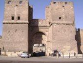 الآثار تطلق مشروعات ترميم لمبانى القاهرة التاريخية.. أبرزها باب النصر