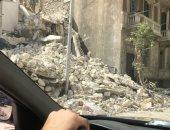 قارئ يطالب برفع مخلفات هدم إحدى العقارات بمنطقة الشاطبى فى الإسكندرية