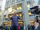 فيديو.. إلقاء هاتف iPhone XS Max من مسافة 8 أمتار لاختبار قوة تحمله