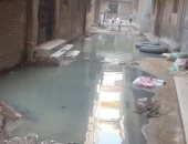 """صور.. منطقة النبراوى بـ""""أبو زعبل"""" تغرق فى مياه الصرف الصحى بسبب """"البدالة"""""""