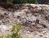 صور.. قارئ يشكو انتشار القمامة بشارع اليرموك بمدينة نصر