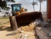 إزالة 50 حالة تعدٍ على الأراضى الزراعية ومنافع النيل بـ3 مراكز فى سوهاج