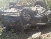 إصابة شخصين فى حادث انقلاب سيارة ملاكى بطريق عزبة البوصة بقنا
