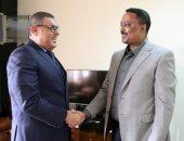 بعد انتهاء فترة عمله نهاية الشهر.. وزير الخارجية الإثيوبى يودع السفير المصرى