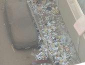 قارئ يطالب برفع القمامة من شارع المستشفى العام القديم بالمنصورة