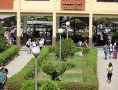 فيديو.. توافد الطلاب على جامعة عين شمس فى أول أيام العام الدراسى الجديد