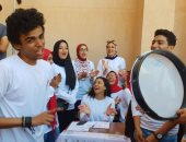فيديو وصور.. طلاب جامعة الإسكندرية يستقبلون العام الدراسى الجديد بالأغانى