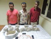 """ضبط 3 متهمين بحوزتهم 4 كيلو من مخدر """"الفودو"""" بقصد الاتجار بالنزهة"""