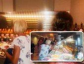 """صور..الأكلات المصرية تسحر السياح بفنادق الغردقة.. الألمان عشاق الملوخية.. والإنجليز يتزاحمون على المسقعة والمخللات و""""أم على"""" المفضلة للهولنديين.. وشيف: الفول والطعمية يوميا على الفطار بجميع الفنادق"""