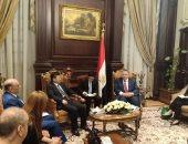 وكيل مجلس النواب يدعو الوفد الصينى لزيادة استثمارات بلادهم فى مصر