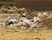 مخلفات المبانى تحاصر سكان الحى الأول بالهضبة الوسطى فى الهرم وتعطل حركة المواطنين