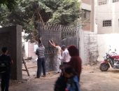 استمرار أعمال الصيانة بمدرسة هشام رفعت بالجيزة رغم انطلاق الدراسة