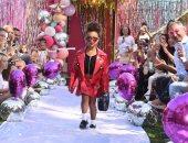 """شاهد.. """"نورث ويست"""" ابنة كيم كاردشيان تشارك بعرض أزياء فى كاليفورنيا"""
