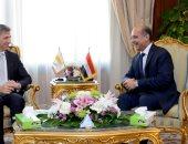 وزير الطيران المدنى يلتقى سفير قبرص بالقاهرة لبحث سبل التعاون